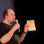 Mirko erklärt die Abstimmung des Publikums