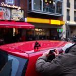 Golego fotografiert die Bremer Stadtmusikanten vor der Schauburg
