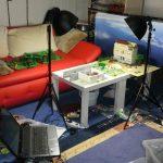 im Brickfilm-Studio (Set mit Beleuchtung und Fotoleinwand)